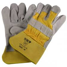 Heavy duty yellow rigger gloves